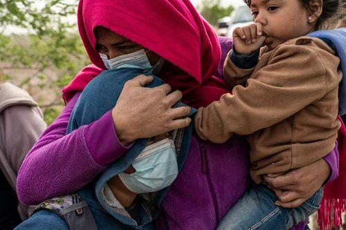 mexico-border-migrants-01