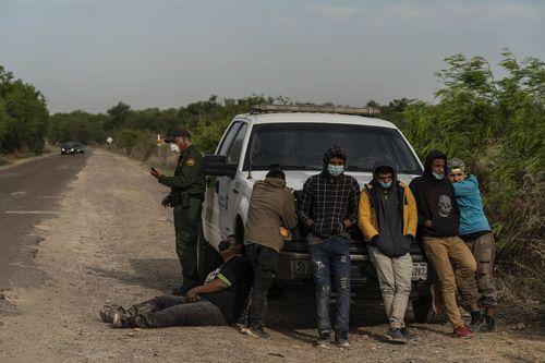mexico-border-migrants-13