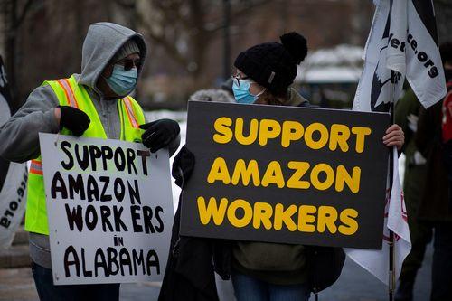 Регулирующие органы США нашли сотрудников Amazon незаконно уволенных активистов: отчет