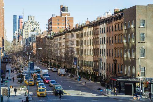 Ожидается, что количество семей, переезжающих в Нью-Йорк, впервые с января 2019 года превысит количество выбывающих семей.